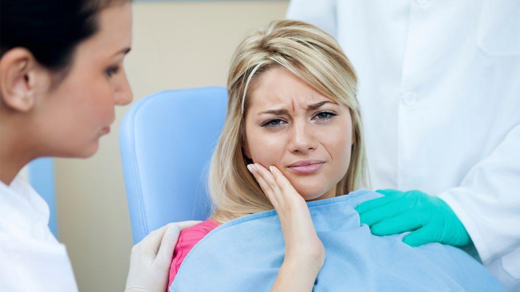 چه کسانی نمی توانند دندان بکارند؟