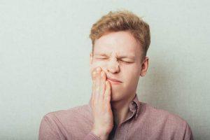 چه عواملی باعث تحریک دندان درد می شود